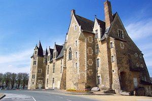 Chateau de Baugé vu de l'extérieur